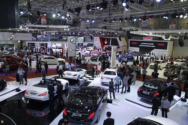 Thay đổi cách tính thuế TTĐB ô tô dưới 24 chỗ
