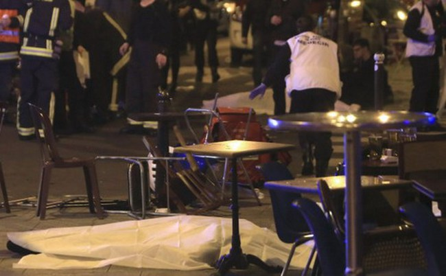 Nhà ở và taxi miễn phí tại Paris sau vụ khủng bố đẫm máu