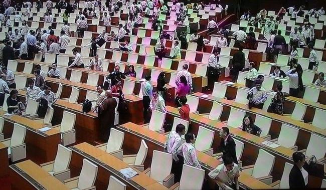 Ít đại biểu phát biểu, Quốc hội lại nghỉ sớm