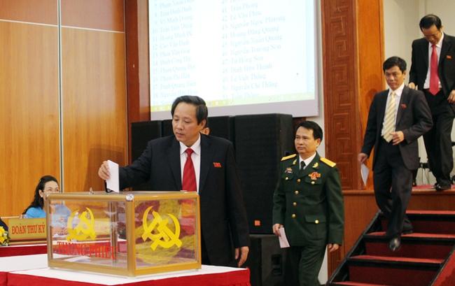 Ông Hoàng Đăng Quang được bầu giữ chức Bí thư tỉnh Quảng Bình