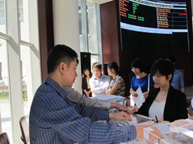 Bán cổ phần theo lô phải đấu giá qua Sở giao dịch chứng khoán