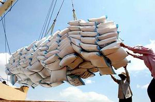 Áp thuế nhập khẩu 0% với gạo và thuốc lá từ Lào
