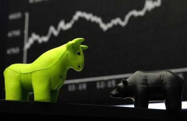 Phố Wall tăng vọt nhờ Fed, giá dầu và Apple