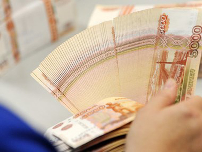 Đồng ruble tăng giá đe dọa sự hồi sinh ngành công nghiệp Nga