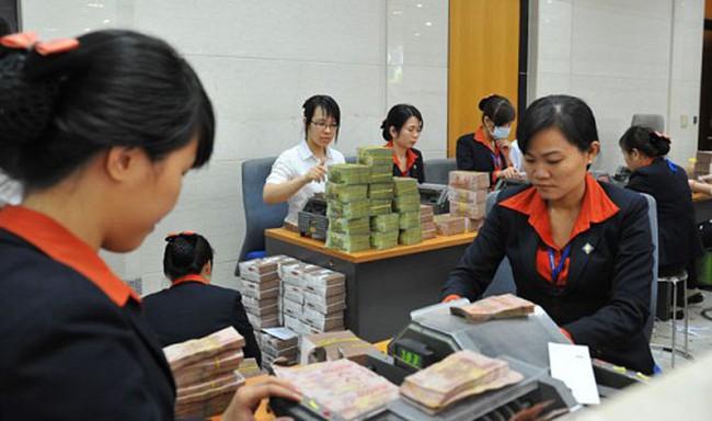 Sacombank: Năm 2014 tuyển thêm gần 1.000 nhân sự, lợi nhuận trước thuế hơn 2.800 tỷ đồng