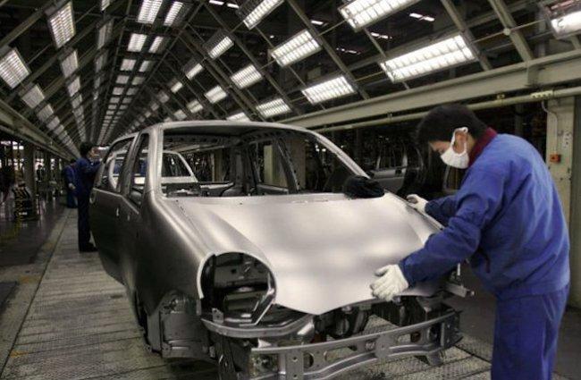 Kinh tế Trung Quốc đe doạ các hãng xe lớn
