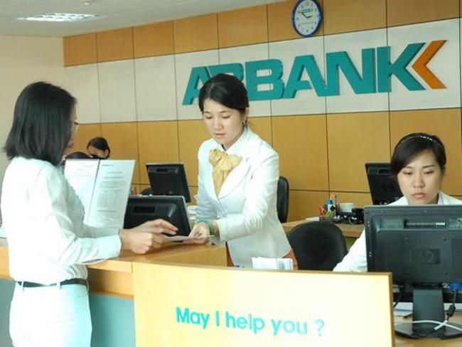 Doanh nghiệp Nhà nước ráo riết thoái vốn khỏi ngân hàng