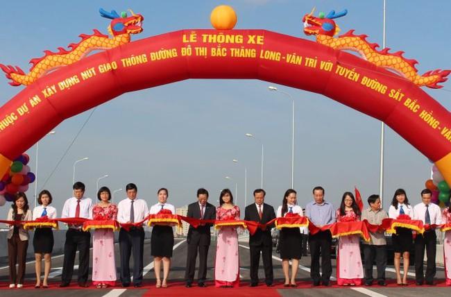 Hà Nội thông xe cầu vượt nút giao Bắc Hồng1