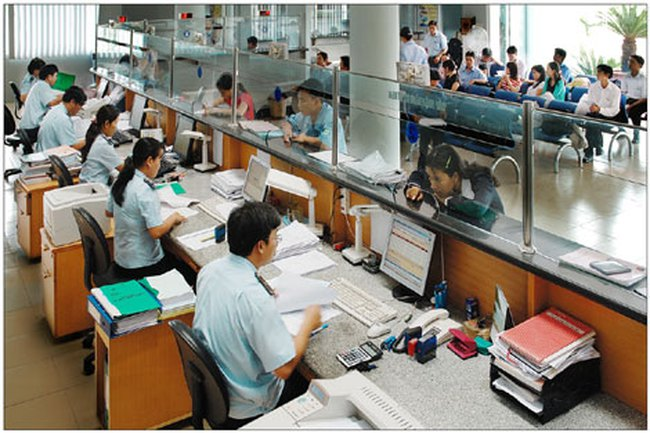 Thủ tục thông quan: Các nước một giờ, Việt Nam 5 ngày