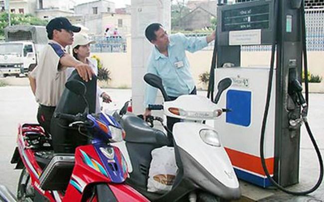 Giá xăng dầu sẽ giảm từ ngày mai?