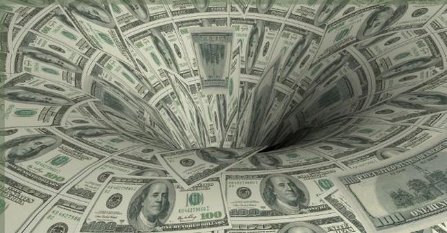 NHNN hạ lãi suất USD, có mạo hiểm thanh khoản?