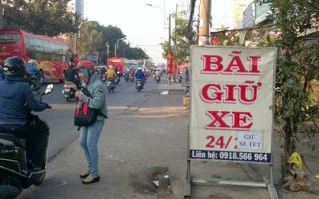 """Hà Nội: Dịch vụ trông giữ xe tăng giá """"cắt cổ"""" ngày Tết"""