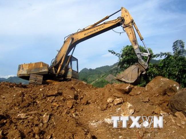 Khai thác khoáng sản sai quy định, bị phạt trên 700 triệu đồng