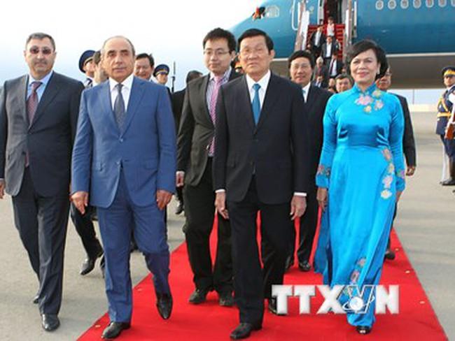 Chủ tịch nước bắt đầu chuyến thăm chính thức CH Azerbaijan