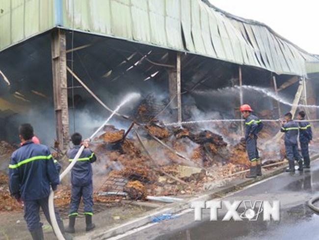 Bắc Ninh: Cháy nhà máy thuốc lá, thiệu rụi hàng nghìn m2 nhà xưởng