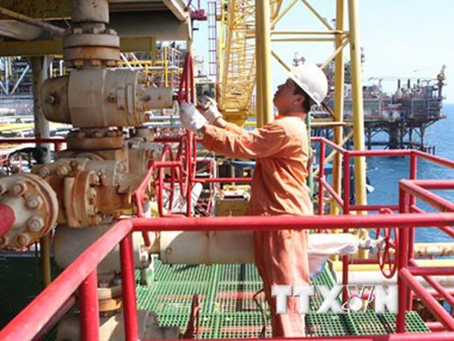 Đề nghị tăng sản lượng dầu thô lên 16 triệu tấn để đạt mục tiêu GDP