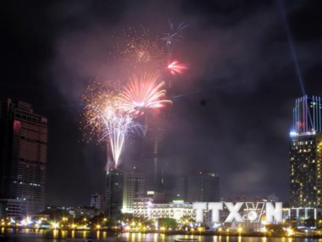 TP.HCM tổ chức 8 điểm bắn pháo hoa đón năm mới Ất Mùi