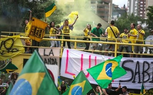 Brazil bắt nghị sỹ đảng cầm quyền liên quan tới vụ bê bối Petrobras