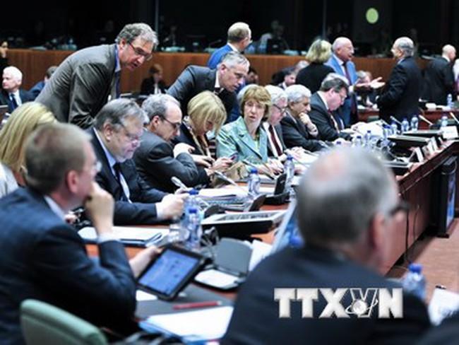 EU giữ nguyên các lệnh trừng phạt chống Nga đến cuối năm 2015