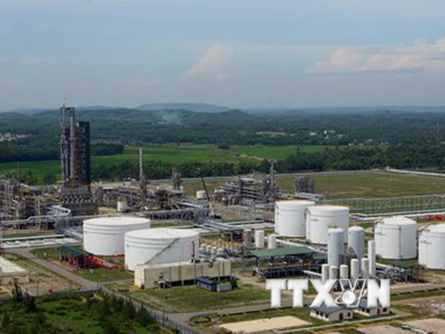 Ký hợp đồng tư vấn thiết kế mở rộng Nhà máy Lọc dầu Dung Quất