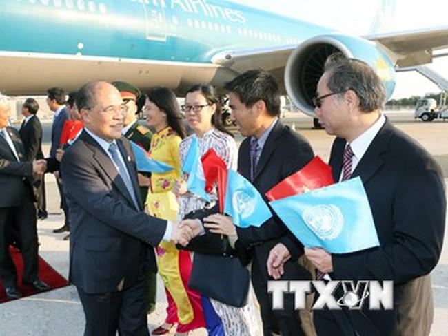 Chủ tịch Quốc hội tới New York, bắt đầu tham dự Hội nghị
