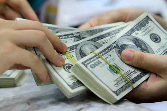 Giá USD ngân hàng hạ nhiệt trở lại