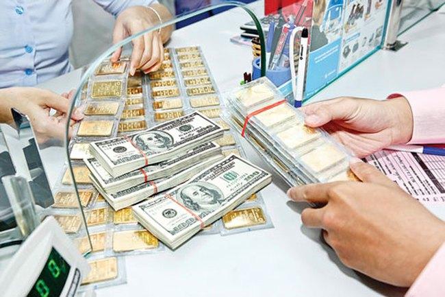 """USD ngân hàng đảo chiều giảm mạnh, vàng hết """"nóng"""""""