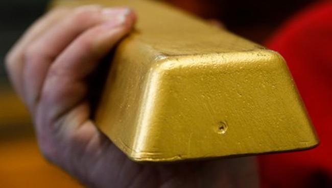 'Chân lý' nhà giàu: Tích vàng, giữ USD