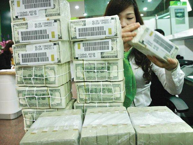 Tại sao Bộ Tài chính phải vay NH Vietcombank 1 tỷ USD?