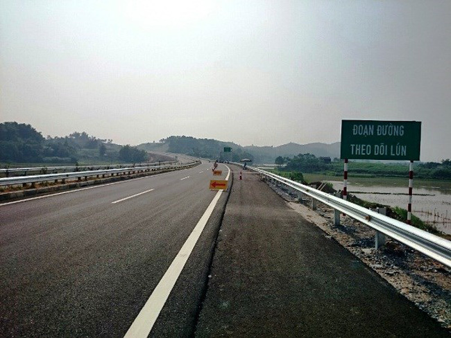 Làm cầu đường: Chất lượng kém, tự bỏ tiền túi khắc phục