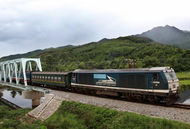 Tháng 10, trình phương án CPH các xí nghiệp đầu máy đường sắt