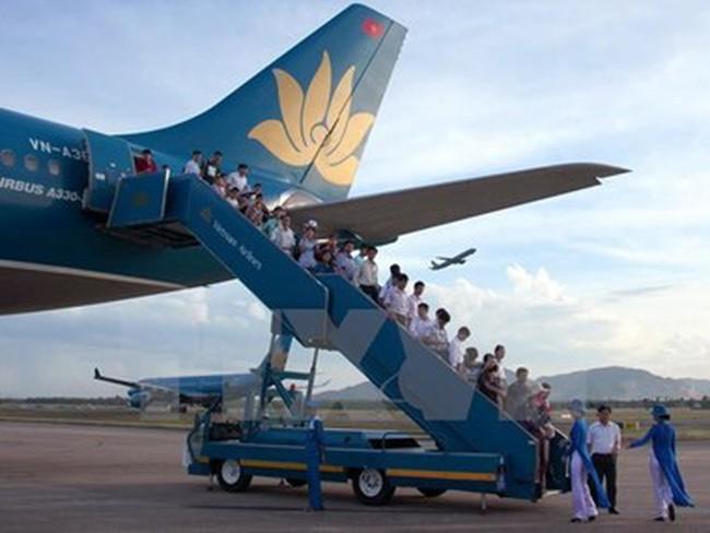 Bộ Tài chính yêu cầu làm rõ mức phụ thu dịch vụ bán vé máy bay