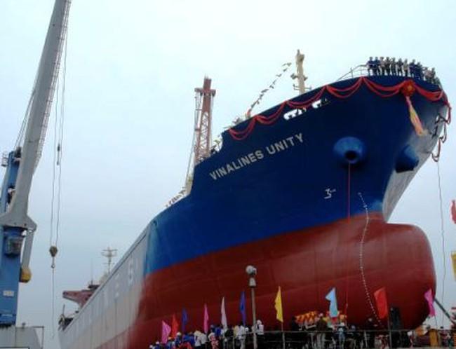 """Vinalines: Lỗ hơn 24.000 tỷ đồng, """"bán"""" cảng không đủ trả nợ"""