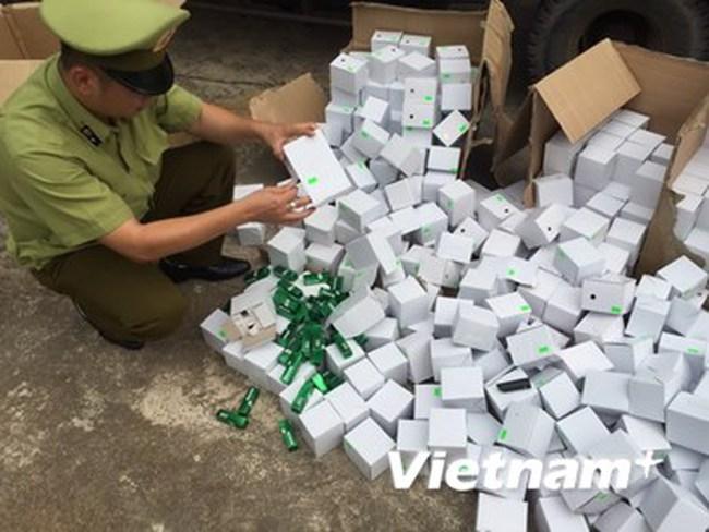Gần 6.000 thỏi son môi giả nhập lậu bị tịch thu tại Quảng Ninh