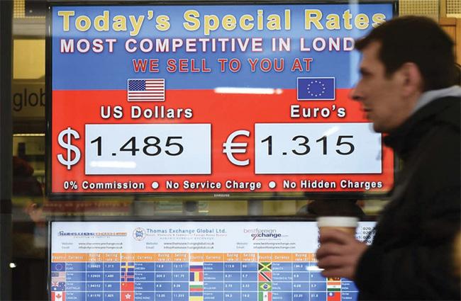 """Đồng USD trước ngưỡng cửa """"chiến tranh tiền tệ"""""""