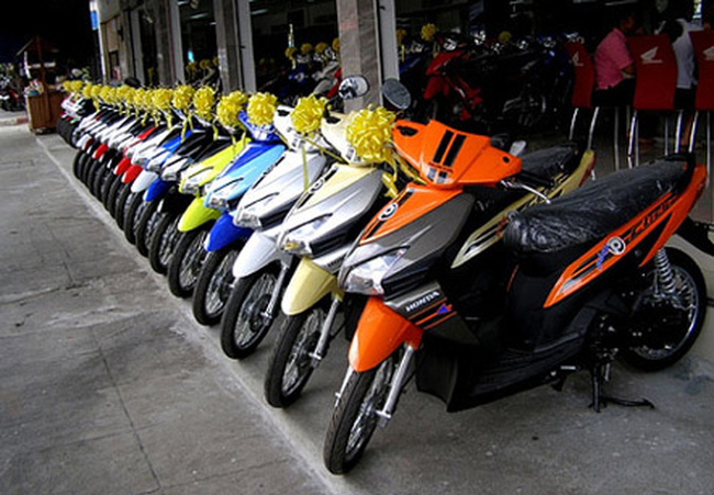 [Hàng hóa nổi bật ngày 11/02]: Giáp Tết xe máy tăng giá