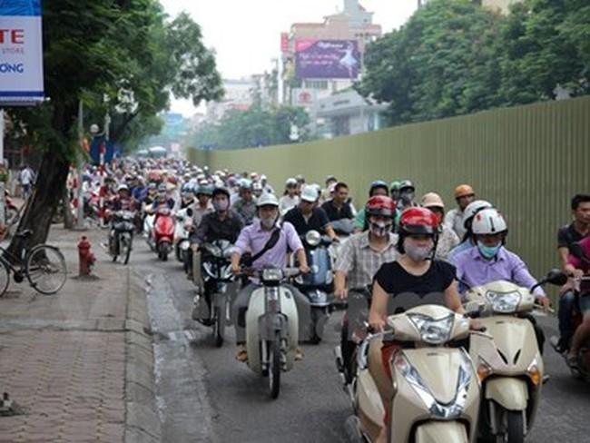 Hà Nội thống nhất chủ trương tạm dừng thu phí đường bộ xe máy