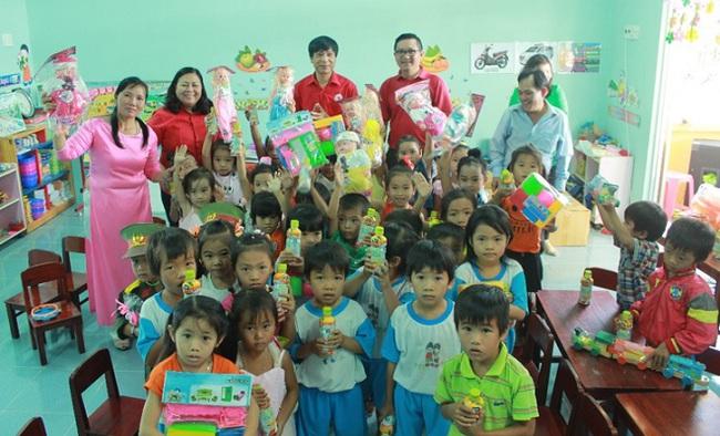 Coca-Cola cùng Hội CTĐ hỗ trợ người dân Ninh Thuận ứng phó thiên tai