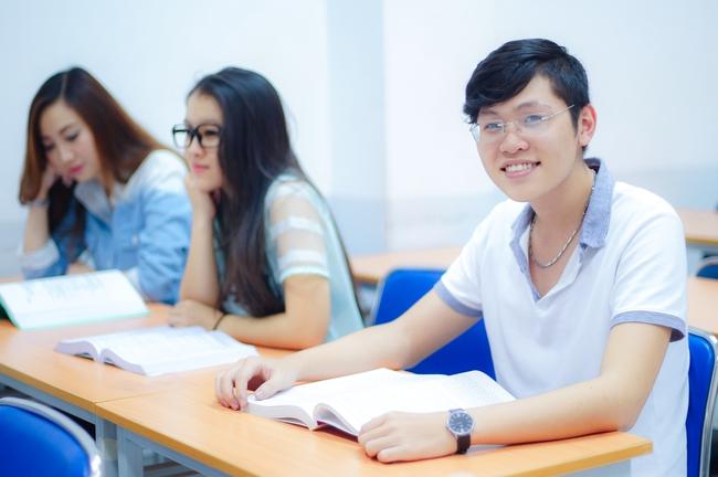 Liên thông đại học tại UEF: Cơ hội hoàn thiện kiến thức, vững kỹ năng