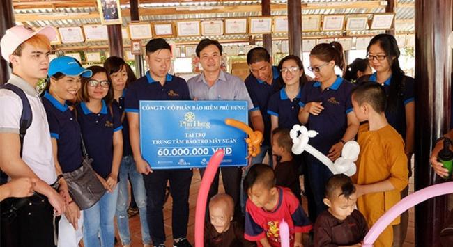 Bảo hiểm Phú Hưng tiếp thêm hy vọng cho trẻ em nghèo