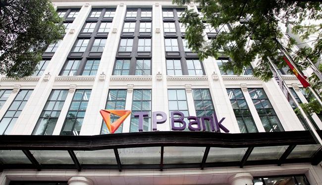 TPBank lọt TOP 10 ngân hàng thương mại uy tín nhất Việt Nam 2016