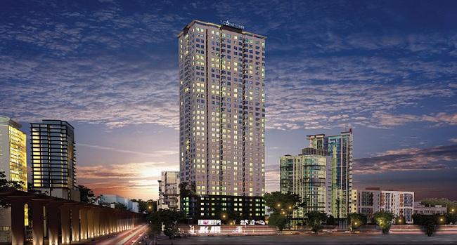 Khách hàng xếp hàng đặt mua căn hộ FLC Star Tower