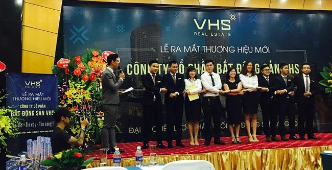 Nữ tướng môi giới BĐS Vinhomes ra mắt thương hiệu mới VHS
