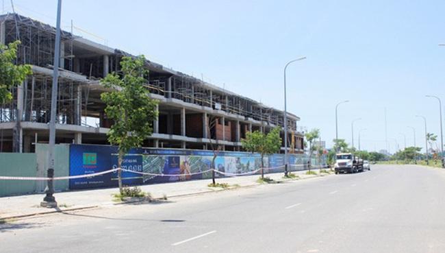 Cất nóc đợt 1 shophouse thông minh – năng lượng xanh  Marina Complex