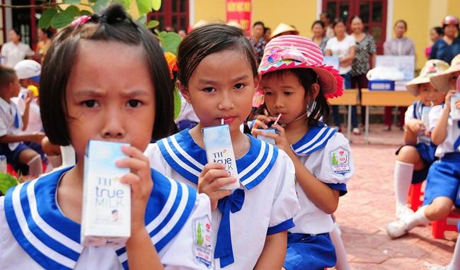 Giải quyết nỗi lo chất lượng sữa học đường