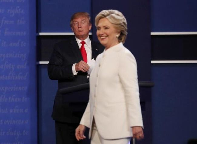 """Thị trường tin Clinton """"thắng"""" Trump trong cuộc tranh luận cuối cùng"""