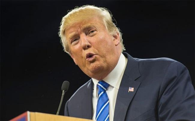 """""""Bóng ma"""" Donald Trump ám ảnh Davos"""