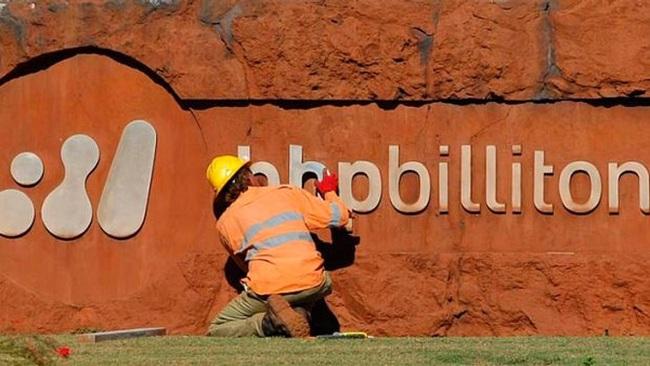 Hãng khai mỏ lớn nhất thế giới lỗ nặng chưa từng thấy