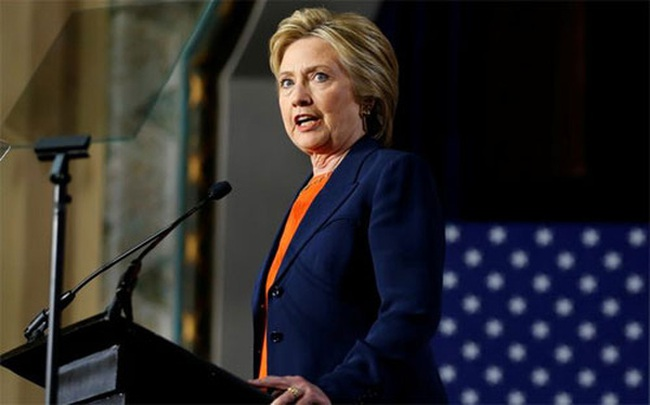 Hillary: Trump không thể nắm mã hạt nhân của Mỹ