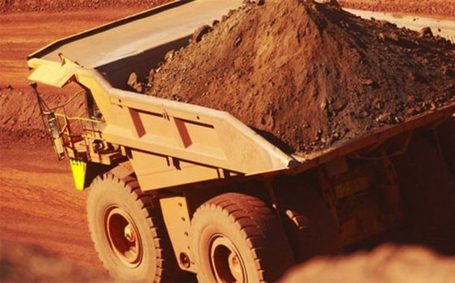"""""""Đế chế"""" khai mỏ lỗ gần 6 tỷ USD trong nửa năm"""